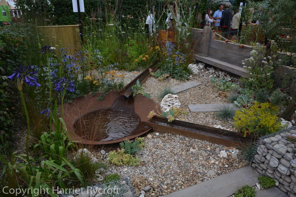 Feel-Good Front Garden by Sarah Morgan