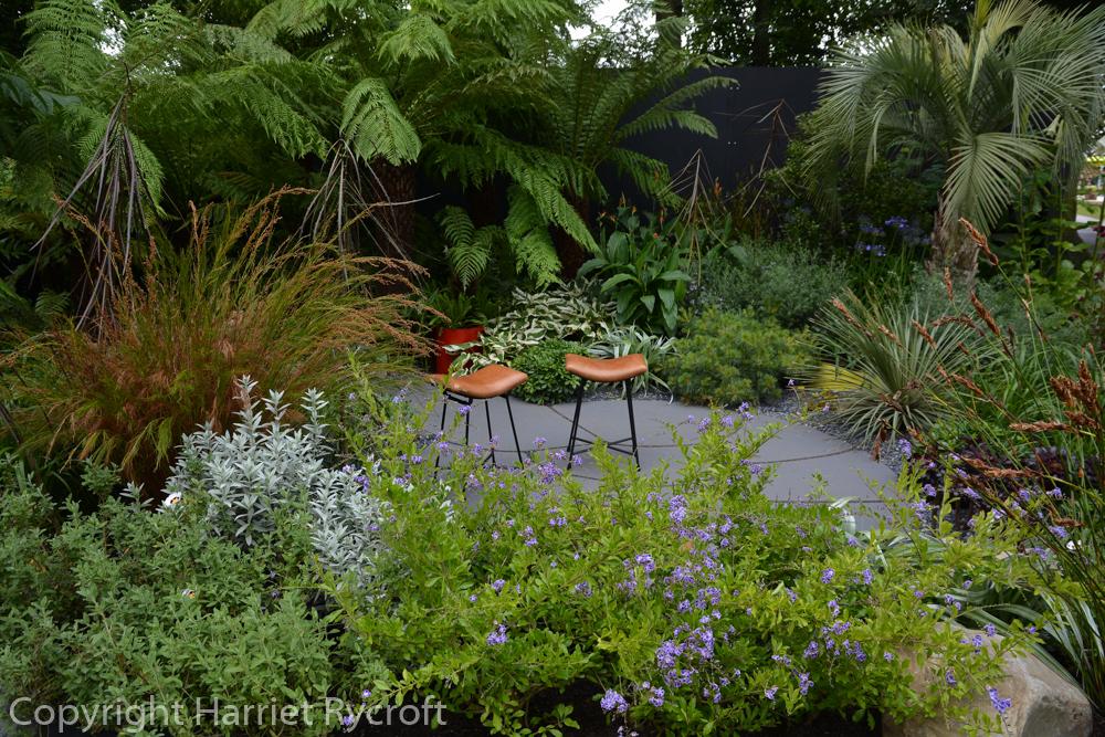 Beautifully planted garden for Bowel Disease UK
